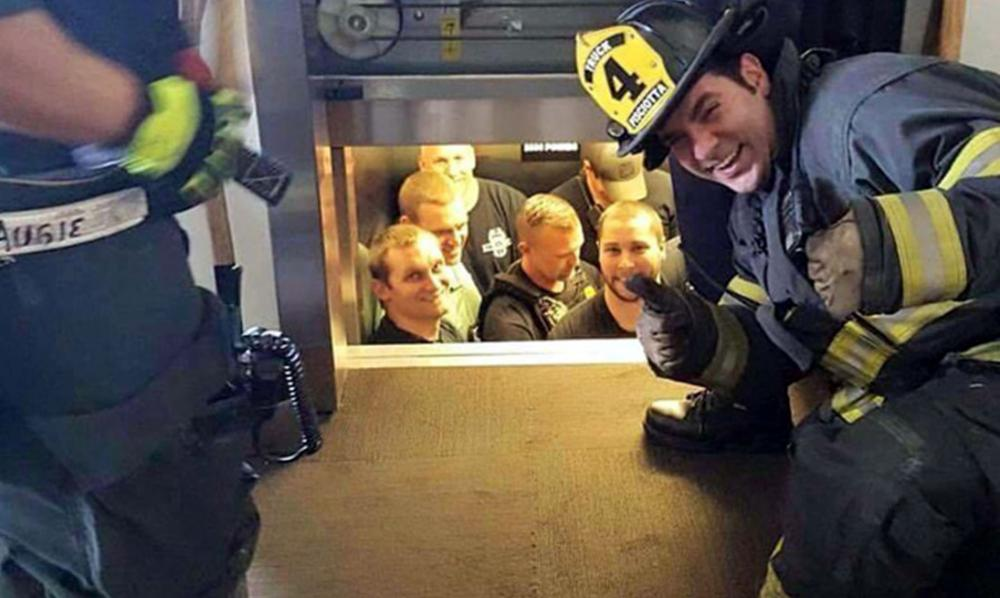 Hướng dẫn cứu hộ thang máy